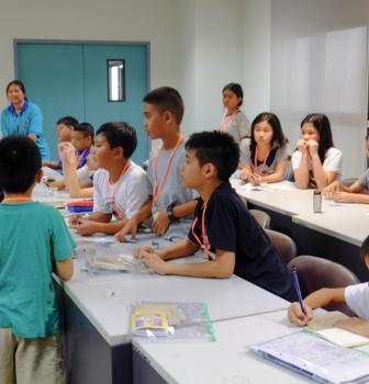 KingClass Academy 3 สาขา จัดกิจกรรม PlayFACTO ให้นักเรียนค่ายธรรมะทานตะวัน